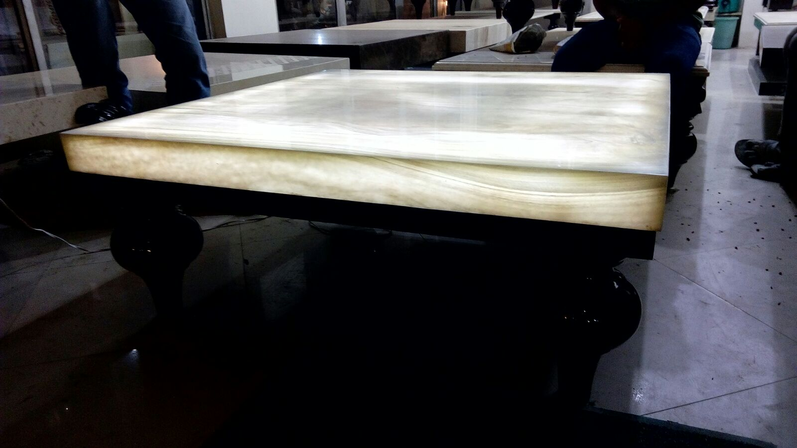 Onyx Dining Table Top For Residential Project Marbonex
